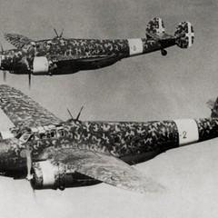 Il bombardiere Cant Z1007, pilotato da Luigi Dicuonzo