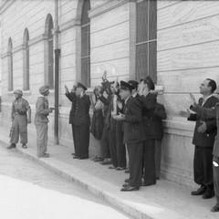 Vigili urbani e netturbini a Barletta, 12 settembre 1943