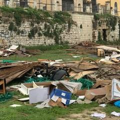 Degrado alle mura del Paraticchio di Barletta