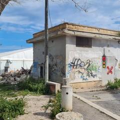 Abbattuto ex impianto di Acquedotto Pugliese sulle Mura del Carmine