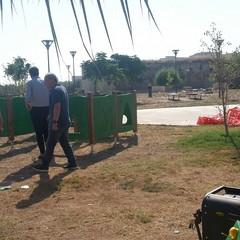 """Panchine danneggiate e rifiuti nel parco """"Pietro Mennea"""""""
