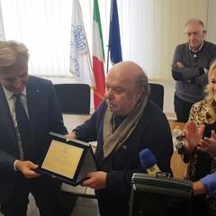 Lino Banfi porta allegria nella sede di Confindustria Bari BAT