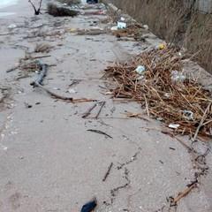 Strada invasa dalla sabbia nei pressi del Ciappetta Camaggio