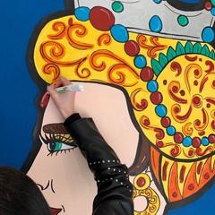 """La vetrina di """"Prisma"""" realizzata dalla 5A della scuola Garrone"""