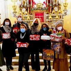 Doni di Natale alla chiesa di Santa Lucia