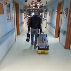 Borracce in dono per i piccoli pazienti dell'ospedale di Barletta