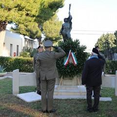 Onori al Monumento ai Caduti JPG
