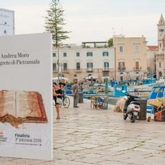 Libri giganti in riva al mare, l'idea di Fondazione Megamark