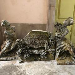 Teatro Curci di Barletta, salvata dal degrado la scultura sulla facciata