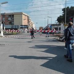 Ancora dramma in via Andria, una vittima al passaggio a livello