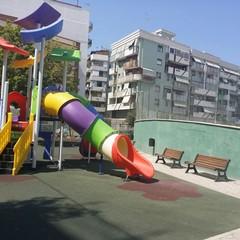 L'area giochi di via Chieffi di nuovo aperta al pubblico