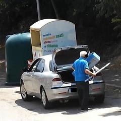 Abbandono illecito di rifiuti, continua l'azione degli sporcaccioni