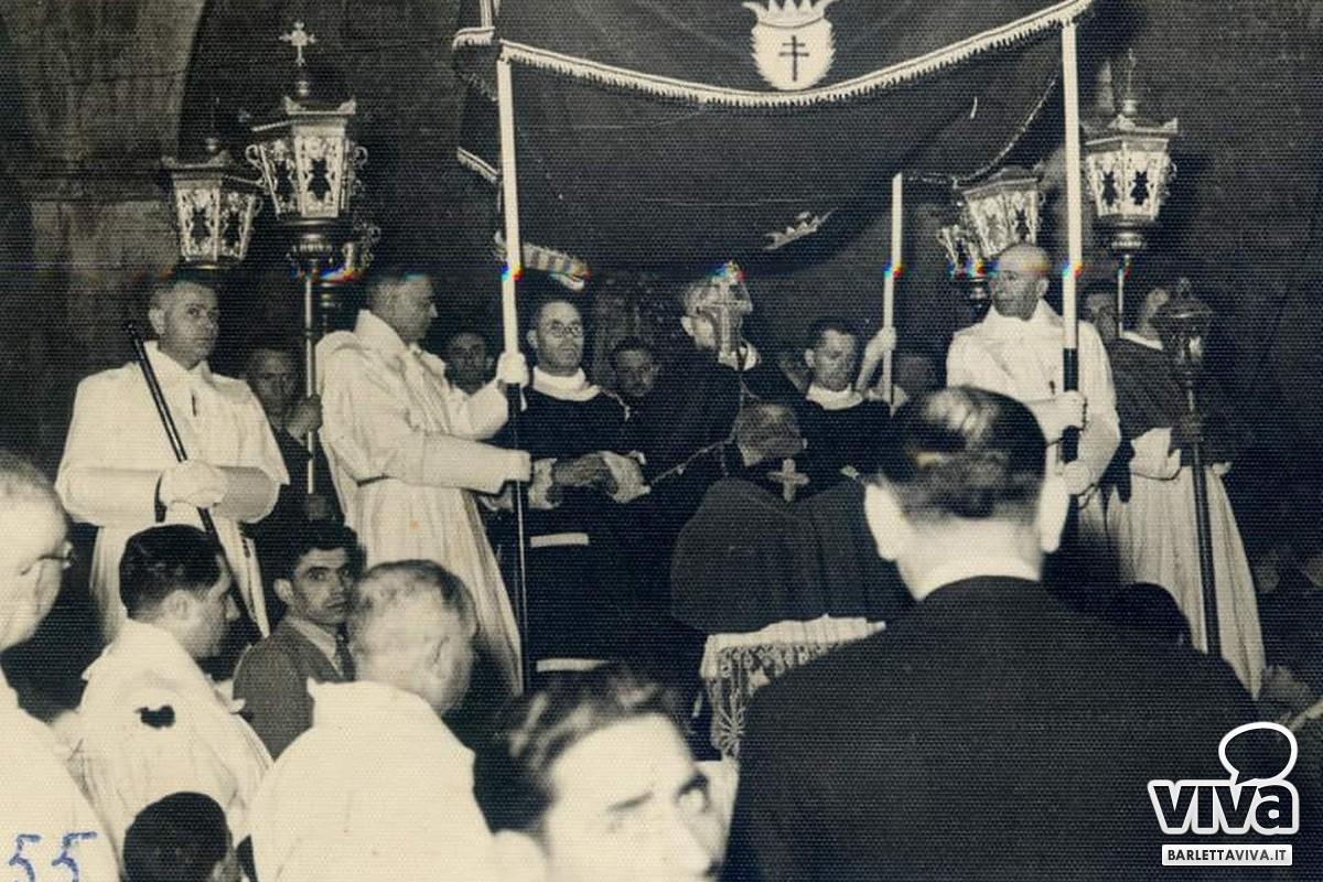 Immagine storica della processione del Santo Legno della Croce