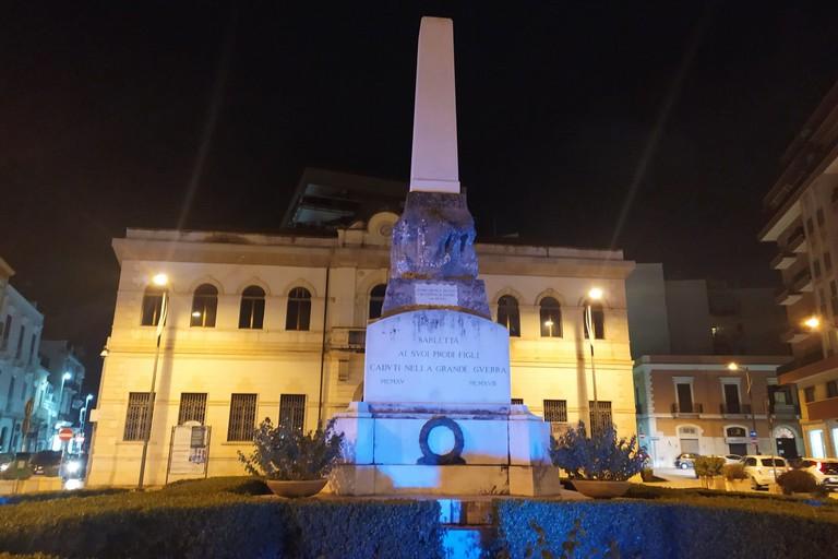 I monumenti di Barletta si illuminano di blu