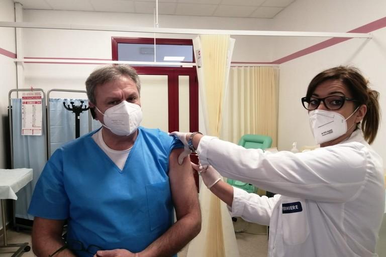 Iniziano le vaccinazioni anti Covid all'ospedale Dimiccoli di Barletta