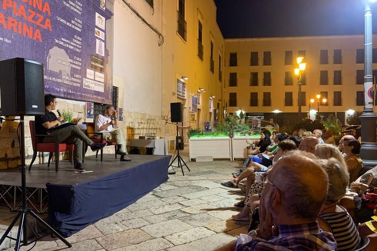 Storie, libri e cucina in Piazza Marina