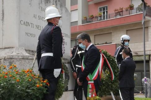 La commemorazione in piazza Caduti