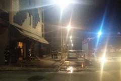 Esplosione a Parco degli Ulivi, incendiato un bar