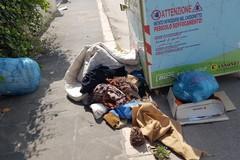 Rifiuti abbandonati per strada, a Barletta degrado no stop