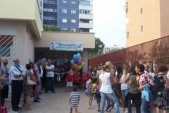 """Primo giorno di scuola alla """"Collodi"""" di Barletta, presente il sindaco Cannito"""