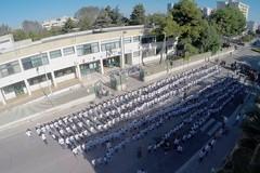 Yoga e informatica si incontrano, ecco 600 alunni di Barletta in flash mob