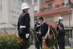 Barletta omaggia le vittime dell'eccidio di piazza Caduti del 12 settembre 1943
