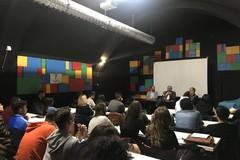 """Il docente Ugo Villani ospite della scuola """"Civica"""" di Barletta"""