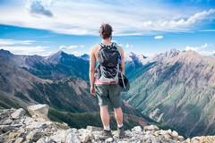Aumentano gli acquisti online di attrezzature da trekking