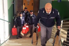 Gli agenti Vegapol di Barletta donano tre apparecchi aerosol in pediatria