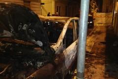 Notte di fuoco ad Andria, intervengono i vigili del fuoco di Barletta