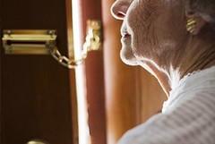Occhio alle truffe, non aprire la porta a chi vuole donare mascherine