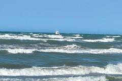 Apprensione in spiaggia, possibile scomparsa tra le acque. Falso allarme
