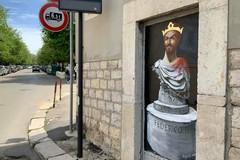 """Borgiac colpisce ancora con Federico II """"a spasso"""" per il centro di Barletta"""