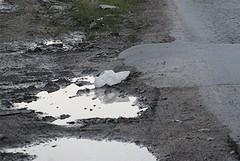 Periferie di Barletta senza asfalto, «rischioso per chi guida»