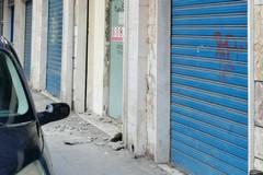 Cadono calcinacci in via Sant'Antonio