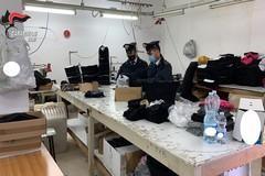 Lavoro nero in un laboratorio tessile di Barletta, in 2 percepivano il reddito di cittadinanza