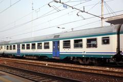 Senza biglietto sul treno per Barletta, minacciato il controllore