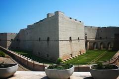 Giostrine giardini del castello, entro giovedì saranno sostituiti i seggiolini rotti