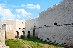 """""""Intra-Extra Moenia"""", a Barletta un tour dal Castello a Villa Bonelli"""
