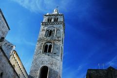 La Cattedrale di Barletta resta chiusa, niente fedeli per il mese di maggio