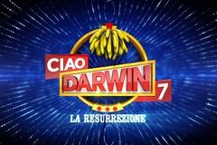 """Flora Vaccariello a """"Ciao Darwin"""", mature contro giovanissime da Paolo Bonolis"""