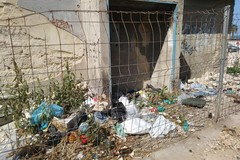 """Degrado e sporcizia nei pressi della chiesa del """"Carmine"""" a Barletta"""