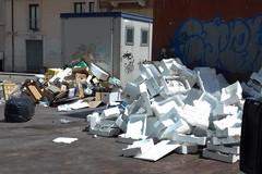 Piazza Divittorio nel mirino dei rifiuti, «gli incivili devono essere sanzionati»