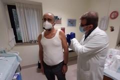 Dino Delvecchio: «Mi sono vaccinato, ma il pensiero è per i medici che hanno perso la vita»
