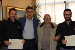 Encomio dell'amministrazione a due agenti della Polizia di Stato di Barletta