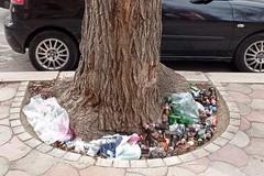 Sotto l'albero... rifiuti al posto dei regali