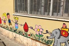 """""""Se donassi anche tu?"""": un murale dei bambini di Barletta con Giacomo Borgiac"""