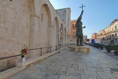 È morto l'uomo caduto a ridosso della chiesa del Sepolcro di Barletta