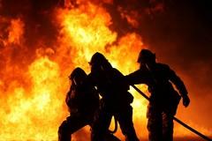 Barletta si stinge per la morte dei tre Vigili del fuoco
