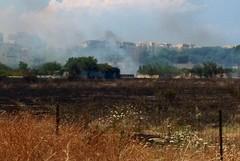 """Incendio nei pressi della caserma """"Stella"""", intervengono i Vigili del fuoco"""